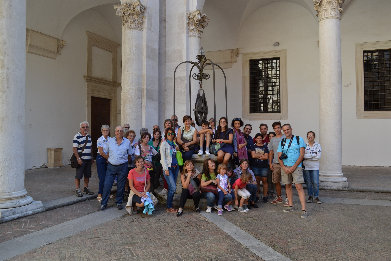 gita volontari da Az. Girolomoni -Urbino