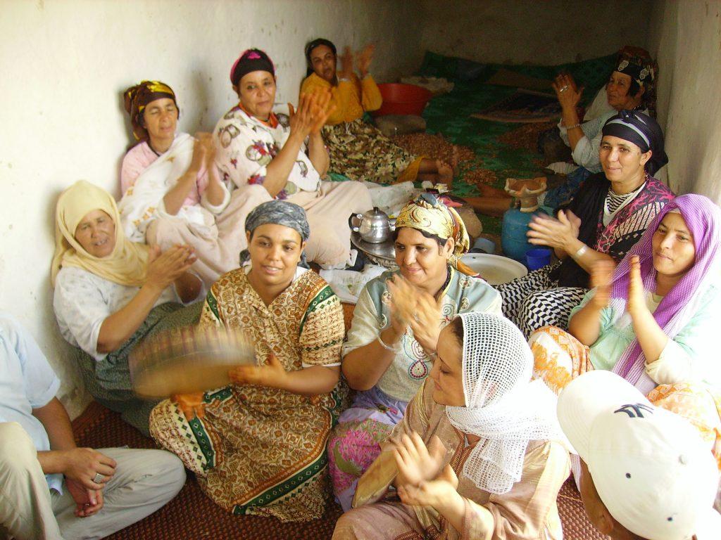 produttrici argan Altromercato - Marocco (foto archivio Altromercato)
